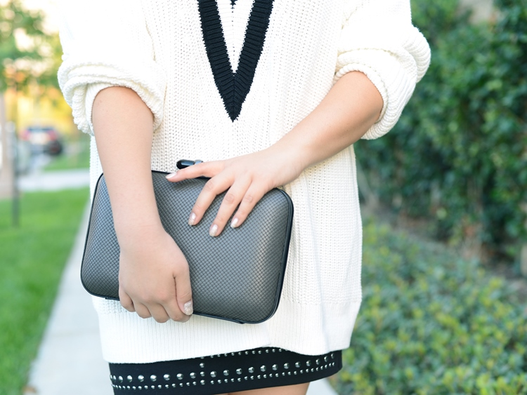 Curvy Girl Chic Plus Size Fashion Blog Axel Accessories Greece Clutch