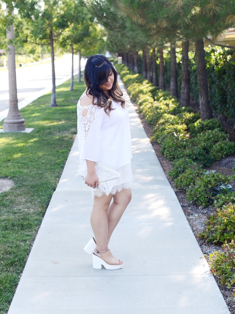 Curvy Girl Chic Plus Size Fashion blog All White Outfit